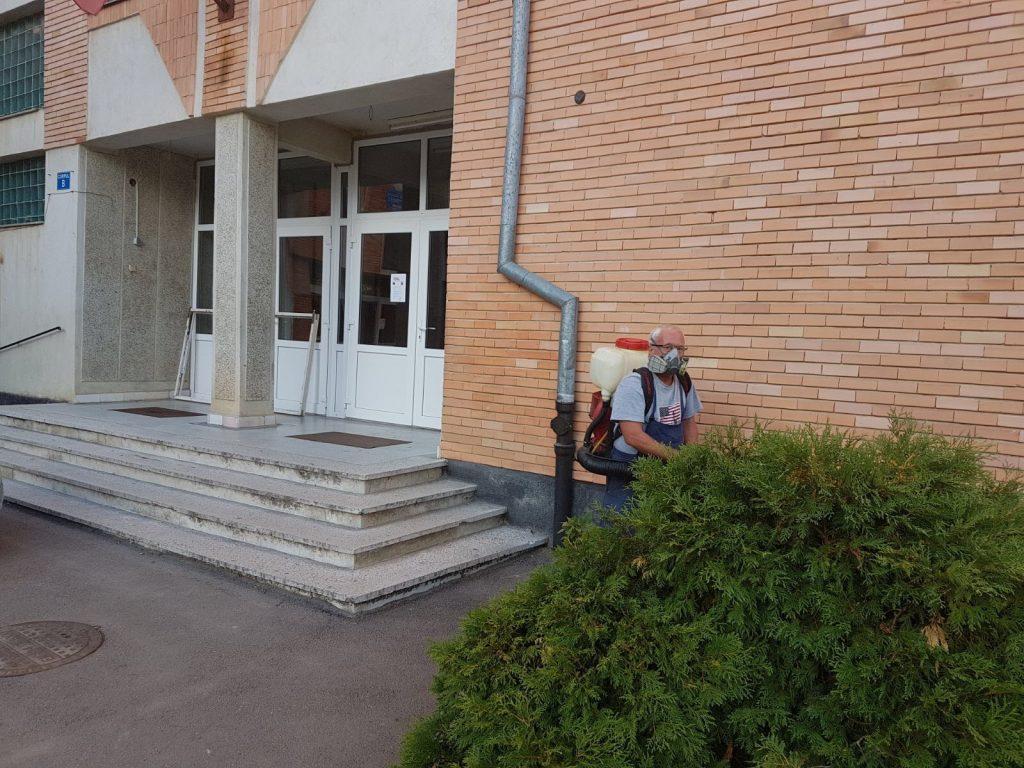 Procedura de dezinsectie la Liceul Onisifor Ghibu din Oradea